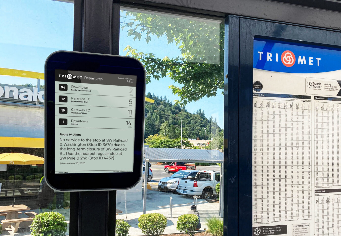 Connectpoint DBS13 in TriMet bus shelter